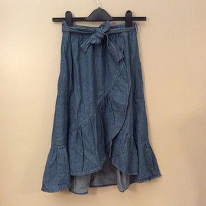 Zara Girls chambray ruffle skirt w/ elastic waist